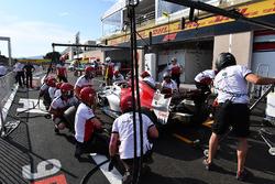 Sauber practice pit stops
