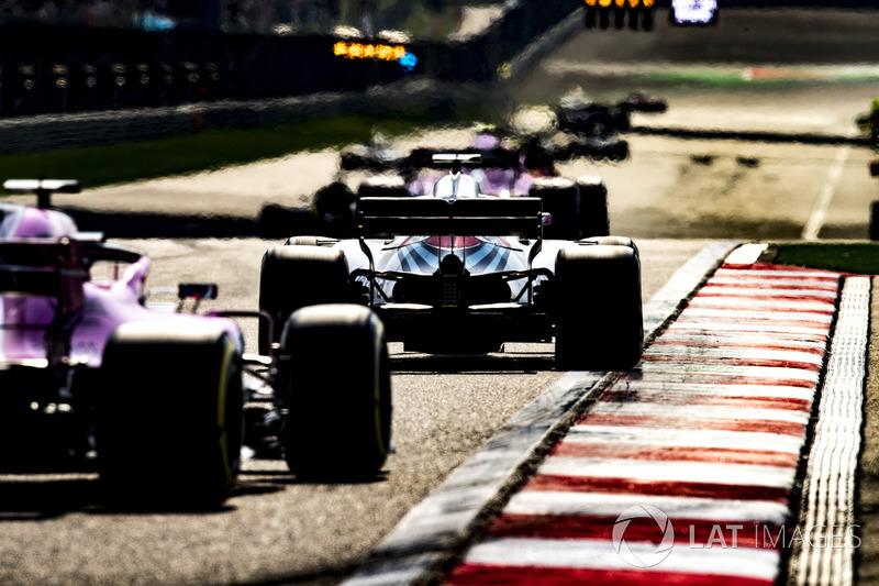 Lance Stroll, Williams FW41 Mercedes, Sergio Perez, Force India VJM11 Mercedes