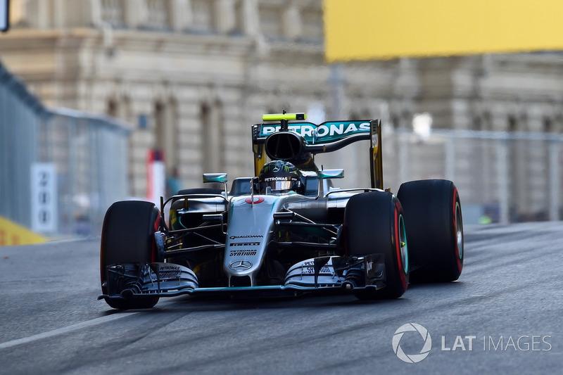 2016: Нико Росберг, Mercedes-Benz F1 W07 Hybrid