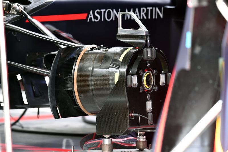Кріплення колеса Red Bull Racing RB14