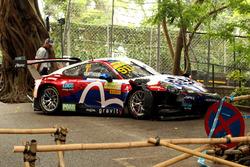 The crasched car of Laurens Vanthoor, Craft Bamboo Racing, Porsche 911 GT3R