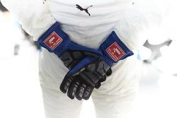 De handschoenen van Valtteri Bottas, Mercedes AMG F1