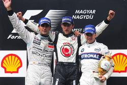 Podio: Segundo puesto Pedro de la Rosa, McLaren, ganador de la carrera Jenson Button, Honda y tercer puesto Nick Heidfeld, BMW Sauber F1