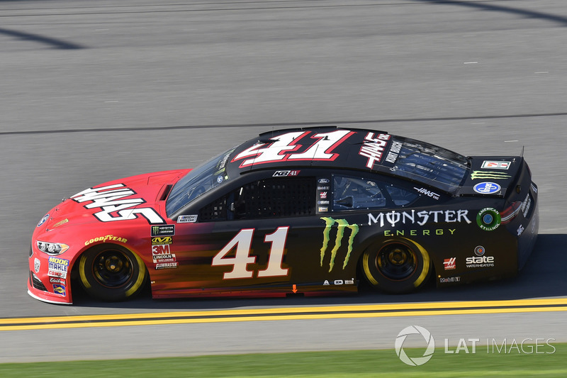 Crash: Kurt Busch, Stewart-Haas Racing, Ford