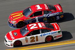 Ryan Blaney, Wood Brothers Racing Ford, Jamie McMurray, Chip Ganassi Racing Chevrolet