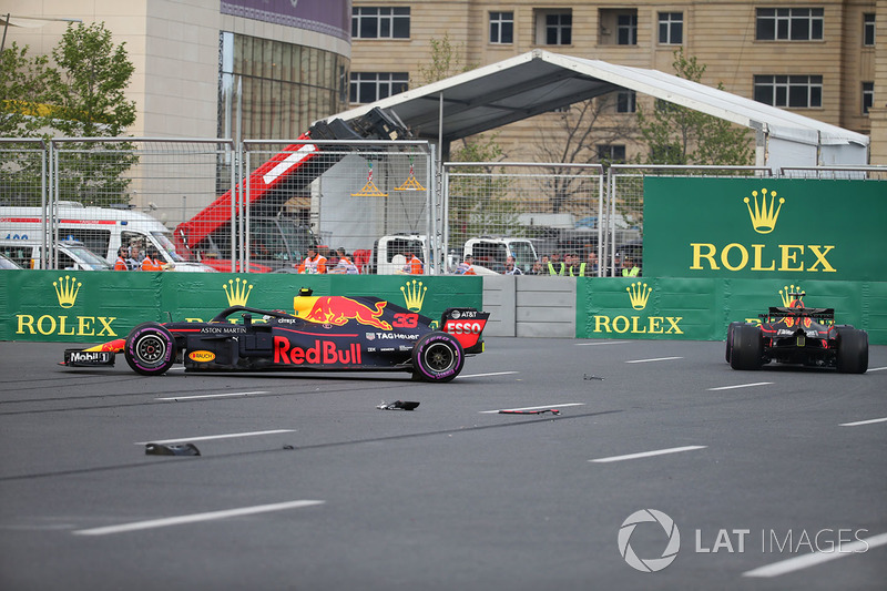 The crashed cars of Max Verstappen, Red Bull Racing RB14 and Daniel Ricciardo, Red Bull Racing RB14