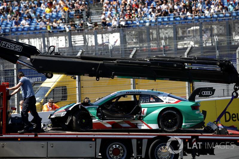 Хоча іншим гонщикам Audi не вдавалось контролювати машину