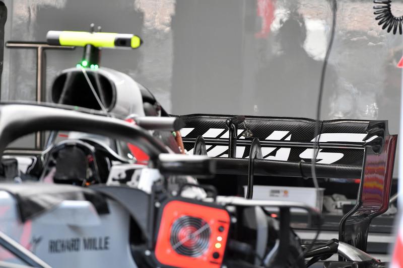 Aileron arrière de la Haas F1 Team VF-18