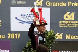 Podio: tercer lugar Sérgio Sette Câmara, Motopark with VEB, Dallara Volkswagen