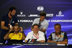 Керівник Renault Sport F1 Сіріль Абітбуль, виконавчий директор McLaren Зак Браун, спортивний директор Pirelli