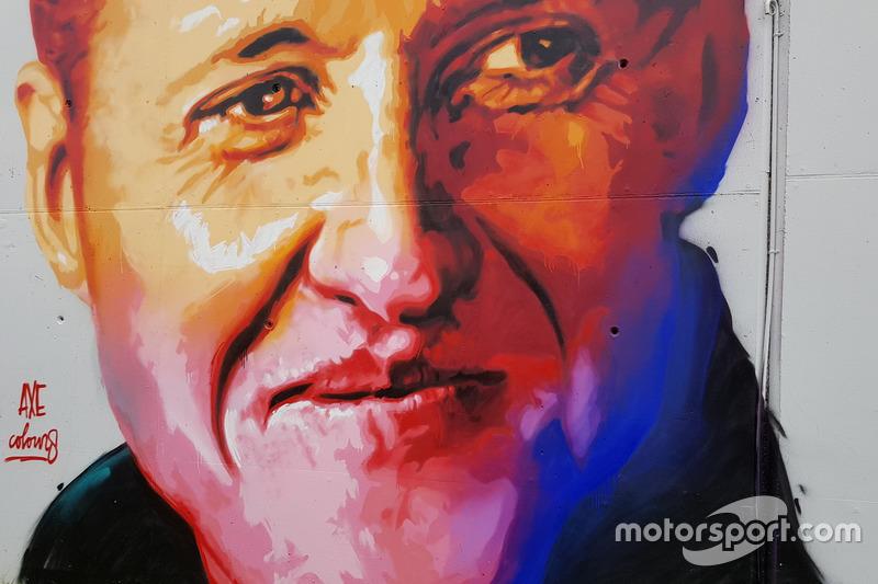 Termasuk potret sang legenda, Michael Schumacher
