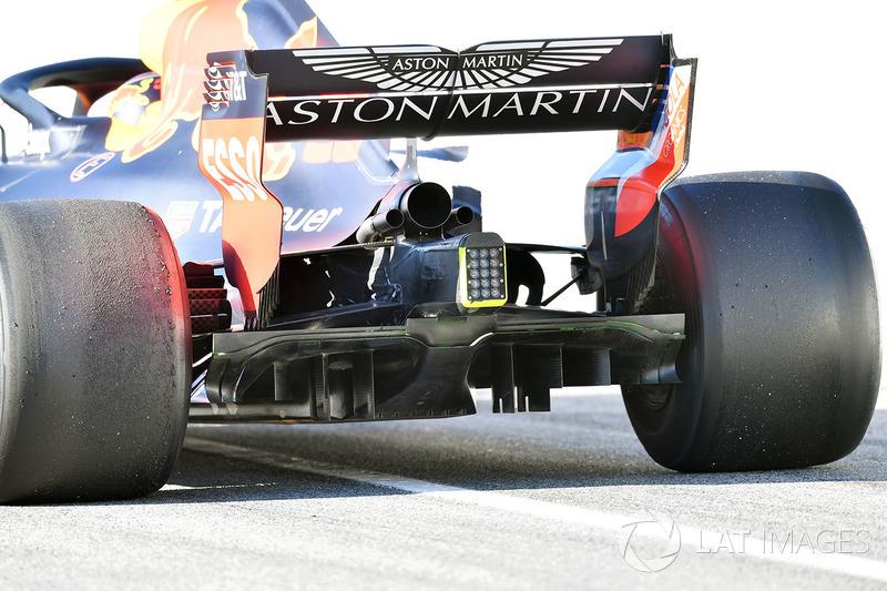 Max Verstappen, Red Bull Racing RB14 rear