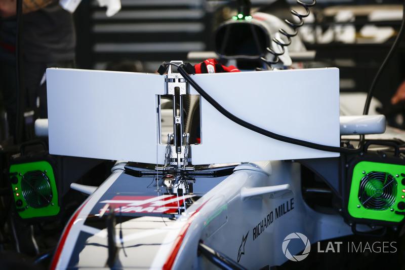 Romain Grosjean, Haas F1 Team VF-18 Ferrari, with the new halo-friendly display