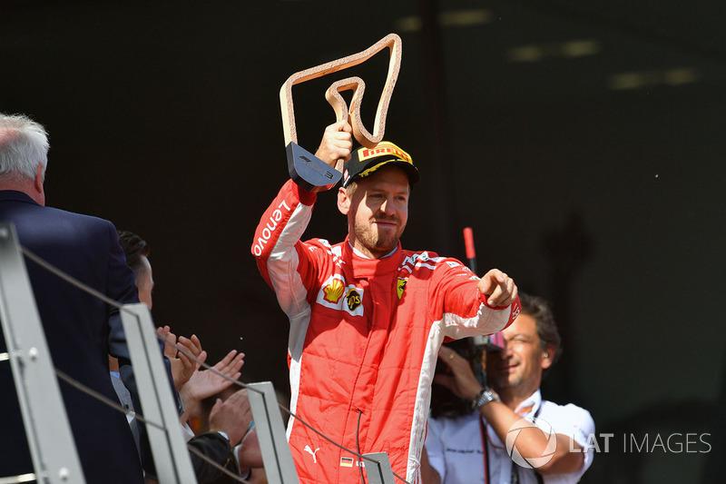 Vettel efsaneyi yakalıyor