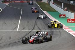 Kevin Magnussen, Haas F1 Team VF-18, Carlos Sainz Jr., Renault Sport F1 Team R.S. 18, Charles Leclerc, Sauber C37