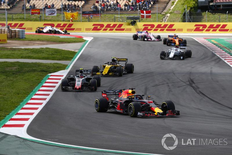 Даниэль Риккардо, Red Bull Racing RB14, Кевин Магнуссен, Haas F1 Team VF-18, Карлос Сайнс, Renault Sport F1 Team RS18, Шарль Леклер, Alfa Romeo Sauber C37, и Фернандо Алонсо, McLaren MCL33