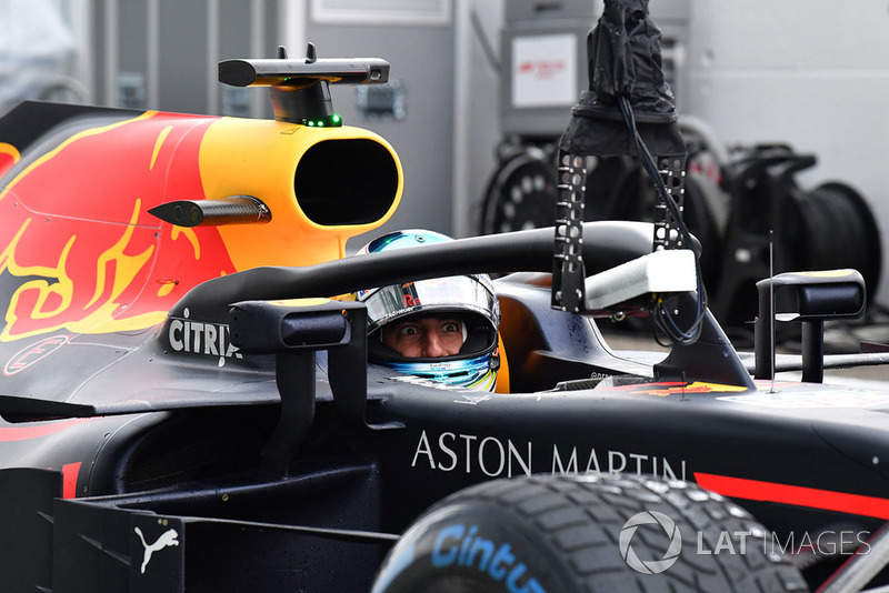 Daniel Ricciardo, Red Bull Racing RB14 and camera in pit lane