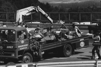 Bergung des Unfallautos von Niki Lauda, Ferrari 312T2