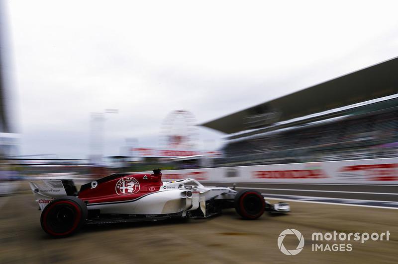 9. Marcus Ericsson, Sauber C37, leaves the garage