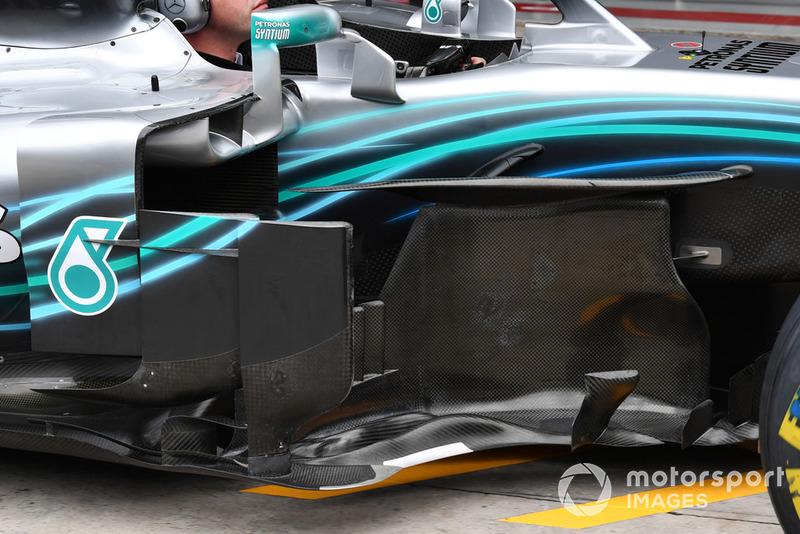 Бічний дефлектор Mercedes-AMG F1 W09