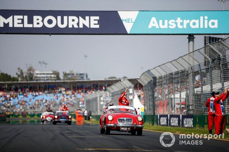Sebastian Vettel, Ferrari, en el desfile de pilotos