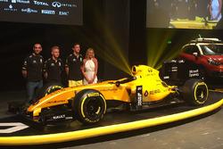 Kevin Magnussen, Renault Sport F1 Team, Jolyon Palmer, Renault Sport F1 Team en Cyril Abiteboul, Ren