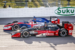Graham Rahal, Rahal Letterman Lanigan Racing, Honda; Takuma Sato, A.J. Foyt Enterprises, Honda