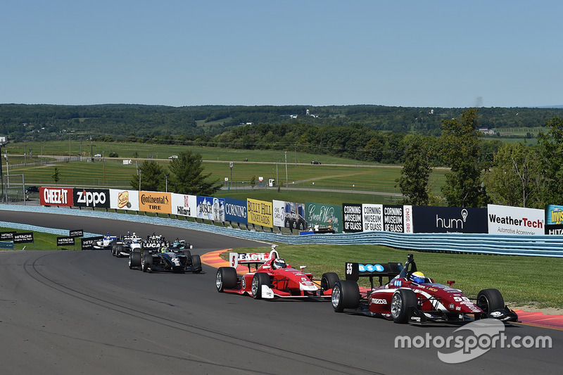 Start: Santiago Urrutia, Schmidt Peterson Motorsports leads