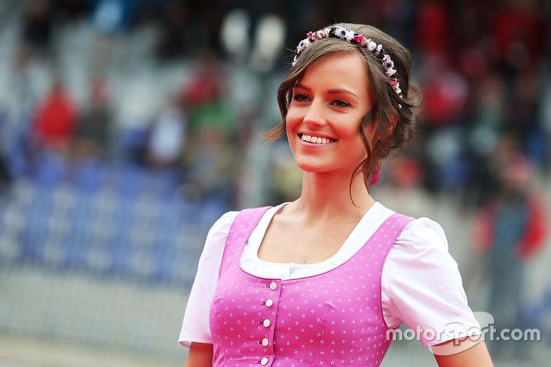 Formula Una - Girl bei der Fahrerparade