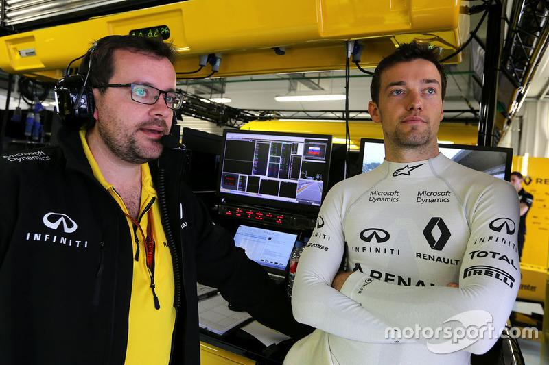 Jolyon Palmer, Renault Sport F1 Team with Julien Simon-Chautemps