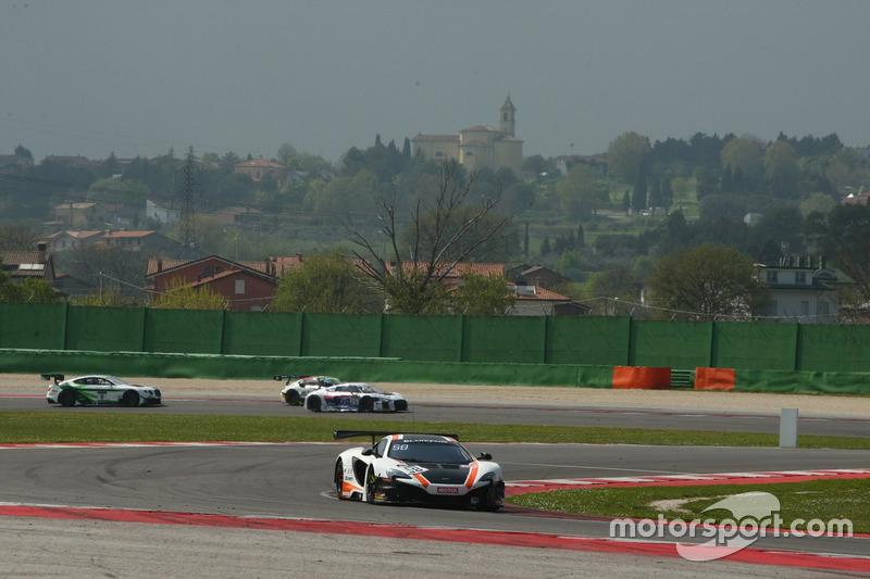 Rob Bell, Alvaro Parente, McLaren 650 S GT3, Garage 59