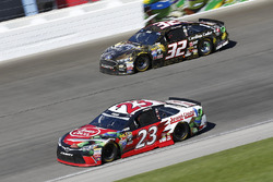 David Ragan, BK Racing Toyota, Joey Gase, Go Green Racing Ford