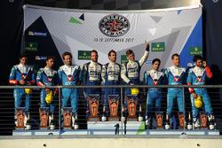 الفائز رقم 36 سيغناتيك ألبين إيه470: غوستافو مينيزيس، نيكولاس لابيير، أندريه نيغراو، المركز الثاني ر