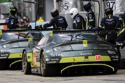№98 Aston Martin Racing Aston Martin Vantage