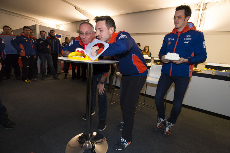 Thierry Neuville, John Kennard, Nicolas Gilsoul, Hyundai Motorsport