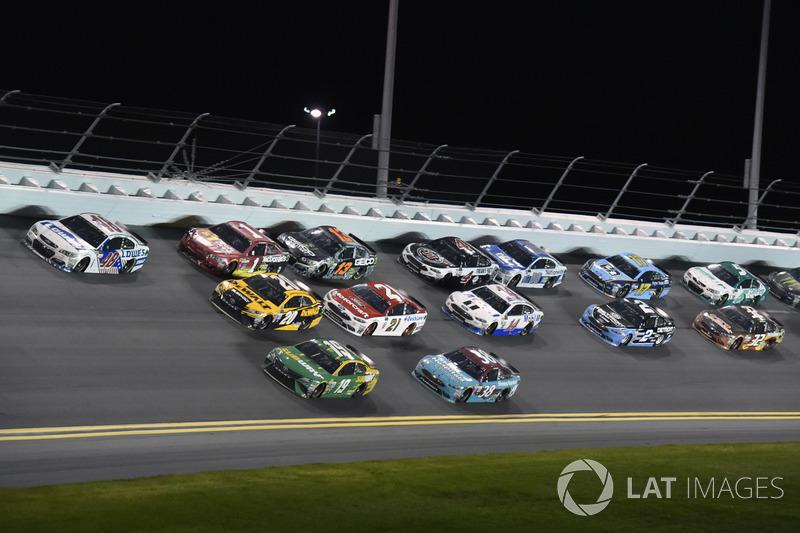 Jimmie Johnson, Hendrick Motorsports Chevrolet, Daniel Suárez, Joe Gibbs Racing Toyota, Matt Kenseth, Joe Gibbs Racing Toyota