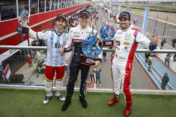 Il vincitore Yann Ehrlacher, RC Motorsport, il secondo classificato Esteban Guerrieri, Campos Racing, il terzo classificato Mehdi Bennani, Sébastien Loeb Racing