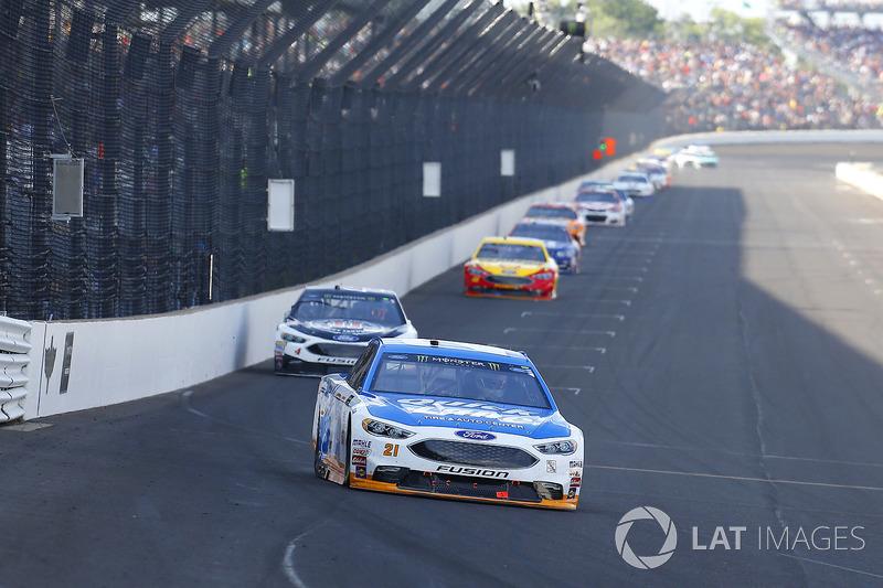 Ryan Blaney, Wood Brothers Racing Ford, Kevin Harvick, Stewart-Haas Racing Ford
