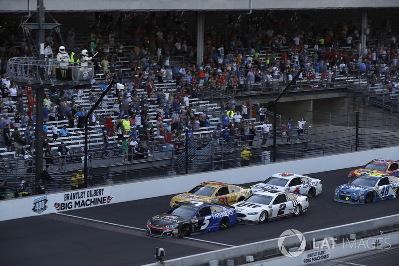 Kasey Kahne, Hendrick Motorsports Chevrolet reinicio
