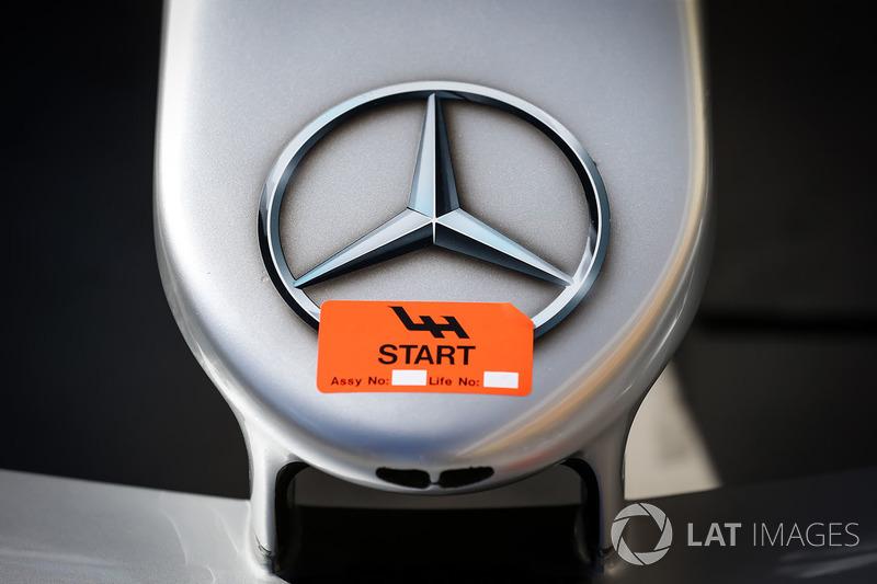 Mercedes-Benz F1 W08 Hybrid detalle de la nariz