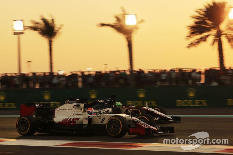 Romain Grosjean, Haas F1 Team VF-16 y Nico Hulkenberg, Sahara Force India F1 VJM09
