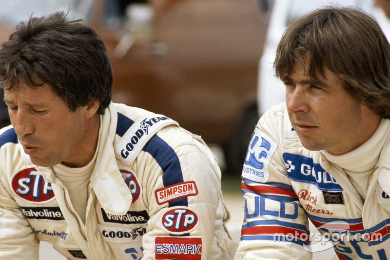 Rick Mears y Mario Andretti