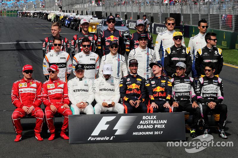 Год платить зарплату всем гонщикам Ф1