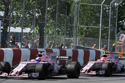 Старт гонки: Серхио Перес и Эстебан Окон, Sahara Force India F1 VJM10