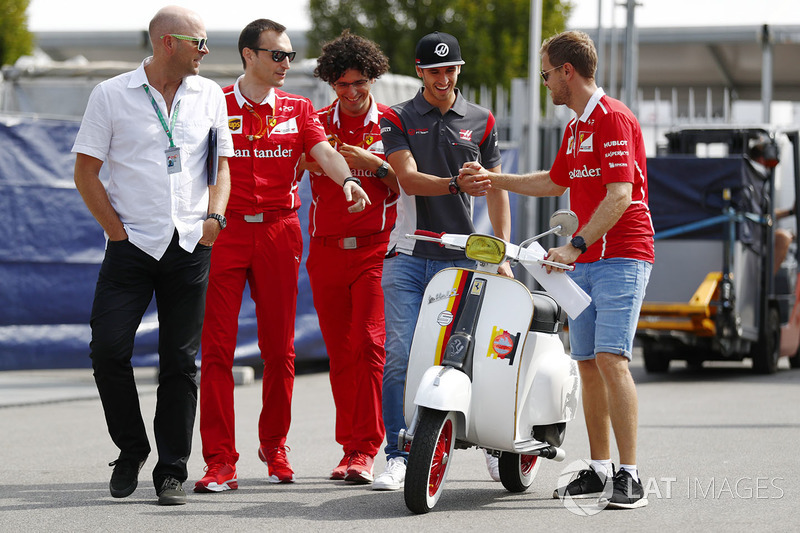 Antonio Giovinazzi, Haas F1 Team Team, Sebastian Vettel, Ferrari