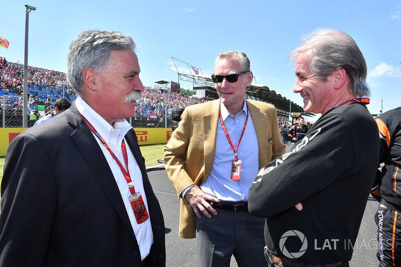 Chase Carey, Director Ejecutivo y Presidente Ejecutivo de la Formula One Group, Sean Bratches, Formula One Managing Director Comercial y David tremayne