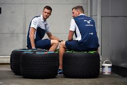 Механіки Williams із шинами Pirelli