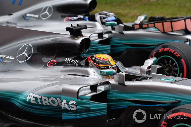 Pole sitter Lewis Hamilton, Mercedes-Benz F1 W08  and Valtteri Bottas, Mercedes-Benz F1 W08  in parc ferme