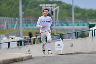 Lando Norris, McLaren runs