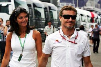 David Coulthard, Red Bull Racing con su novia Karen Minier